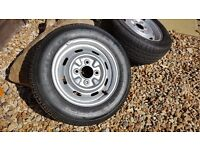 "5 CLASSIC MINI 12"" STEEL WHEELS 3 WITHOUT TYRES 2 WITH"