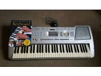 Yamaha PSR 290 61 portable keyboard .