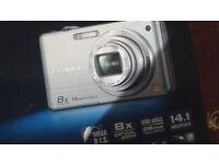 Panasonic fs30 Lumix 8x40 megapixels