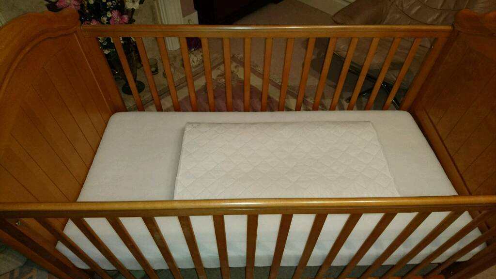 Cosatto Venus beech wood cot/bed
