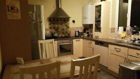 Huge room in Borehamwood