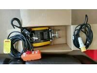 Duke Mini Wire Winch DU230A 110v