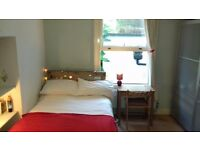 Double bedroom with en suite bathroom in beautiful quiet flat in Forest Hill SE23