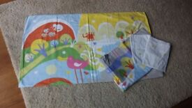 2 Sets of: Quilt cover/pillowcase for cot