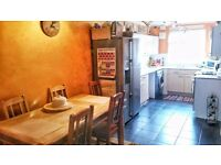 2 bed house with loft, garden Hayes for 2bed Elephant and Castle
