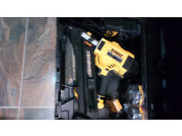 DEWALT DCN694 BRUSHLESS NAIL GUN