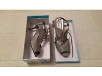 Grey shoes, size 40, brand new with box