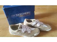 Womens trainers Skechers size UK 5,5