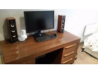Sturdy dressing table / office desk / workstation with a lamp