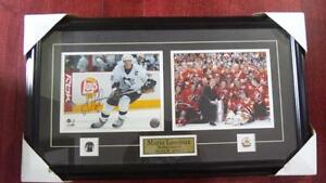 PITTSBURGH PENGUINS-#66-Mario Lemieux-AUTOGRAPHED in picture fra
