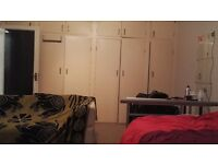 Massive double room in seven dials (available for couples)