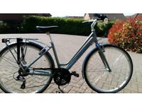 SUPERB GIFT - BRAND NEW - Ladies Raleigh Pioneer 2 Hybrid Bike SAVE £200