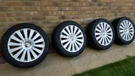 Passat b6 17 inch alloys great tyres 7mm left all 4