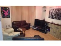 Double room for rent in 3 bedroom house