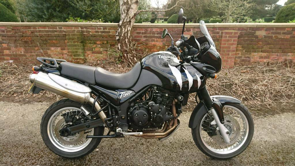 triumph tiger 955i in hitchin hertfordshire gumtree. Black Bedroom Furniture Sets. Home Design Ideas