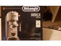 Delonghi dedica