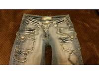 Capri stretchy jeans size 6