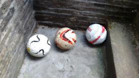 Footballs (x5) + Pump