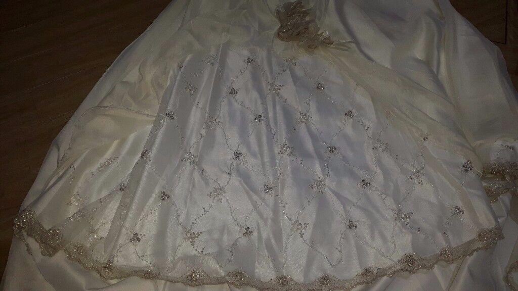 Weding Dress Corset & Skirt with Tren, size 8