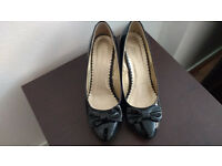 2 pair of shoes, size UK 6