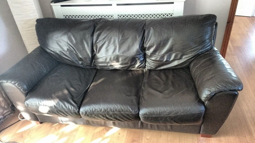Brown leather sofa set. 3 seater + 2