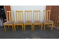 5 Oak and soft Padded Seat Dining Chairs FREE DELIVER (02110)
