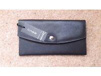 "Black leather "" Linea"" Travel wallet"