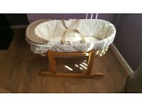 Moses basket and stand for sale. Excellent condidtion.