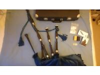 New Duncan Soutar Bagpipes, only tried once, beautiful 3/4 pipes with a case and hemps