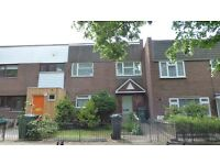 3 bedroom house with garden conveniently located for the amenities of Brixton and Tulse Hill