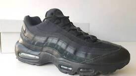 Air Max 95 Black Size 9