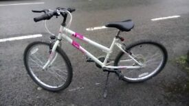 """Dunlop Diamond Girls 24""""wheel mountain bike. Used but in good condition, great bike for a girl 9-12"""