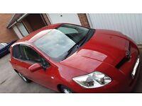 Toyota Auris '09 Model family car (LOW MILES)