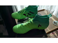 brand new size 9 addidas football boots