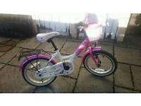 Girls bike with basket age 5+