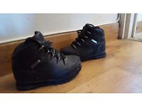 Infant size 9 Timberland boots