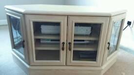 White washed oak, tv corner unit