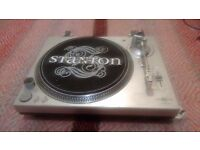 Stanton str8-20 turntable / record deck