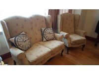Gorgeous vintage style 3 piece suite (2 Armchairs + a 2 seater sofa)