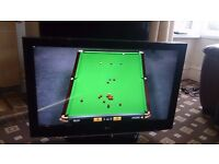 """LG 37"""" LCD TV FREEVIEW/PIANO BLACK/XD ENGINE/ IN EXCELLENT CONDITION NO OFFERS."""