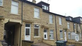 2 bedroom house in Girlington Road, Bradford