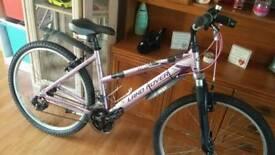 Girls / women's land rover mountain bike