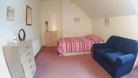 DOUBLE ROOM 3 MINUTES BY WALK TO Willesden Green Station