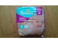 Pampers active fit size 5 - new unopened 35 pack