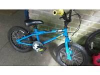 Boys bmx bike age 5+. Good working order.