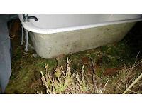 cast iron roll top bath with feet