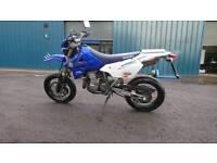 Drz400 SM motorbike