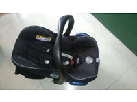 Maxi-Cosi CabrioFix Group 0+ Child Car Seat - Nomad Black 13 Kg. Great Condition, New Price £94.99