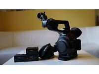 Canon C100 Mkii - Good Condition with 3 batteries