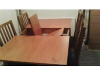 LIGHT OAK EXTENDING TABLE & 4 CHAIRS IMMACULATE (DEBENHAMS)